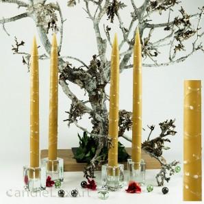 4  Leuchterkerzen honig Dekor weiss 35cm