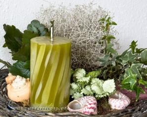 Stumpenkerze - Wellen - 12cm - olive