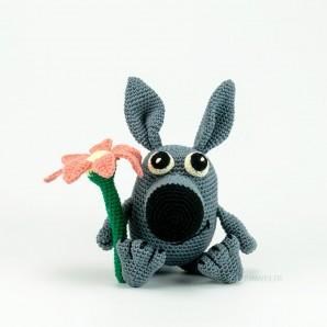 Wolf grau mit Blume 25cm  Strickware Handmade