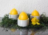 Osterkerze  -  Ei im Keramikbecher