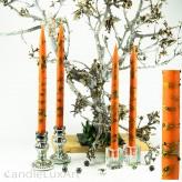 4  Leuchterkerzen orange Dekor grün 35cm