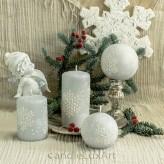 Stumpen Kugel Kerzen Eiseffekt Schneeflocken grau